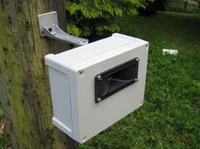 image showing the front panel of the single speaker Sentinel ultrasonic bird, pigeon and fox repeller